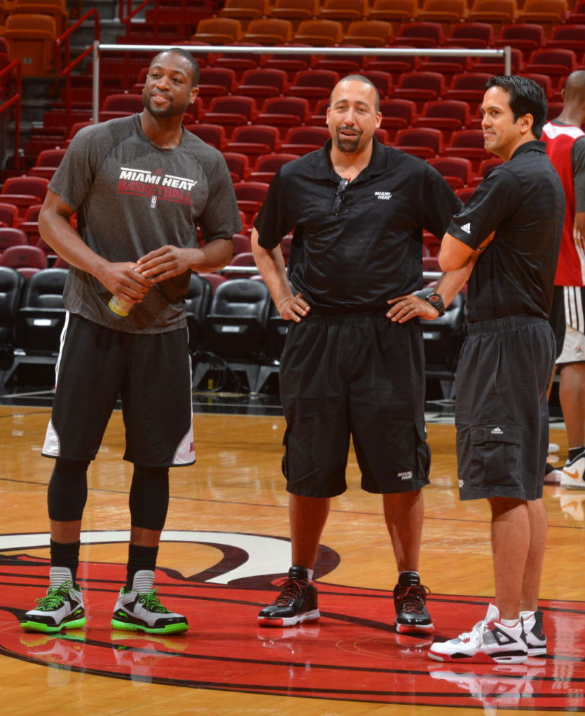 Dwyane Wade wearing Li-Ning Way of Wade Encore Grey Black Green (2)