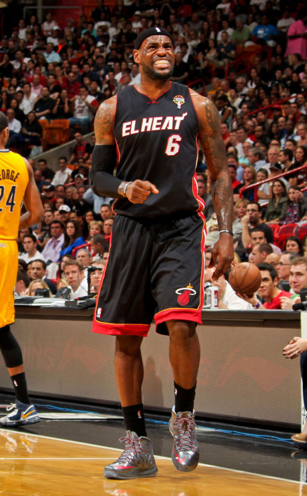 LeBron James wears Nike LeBron X Pewter Grey Red PE (2)