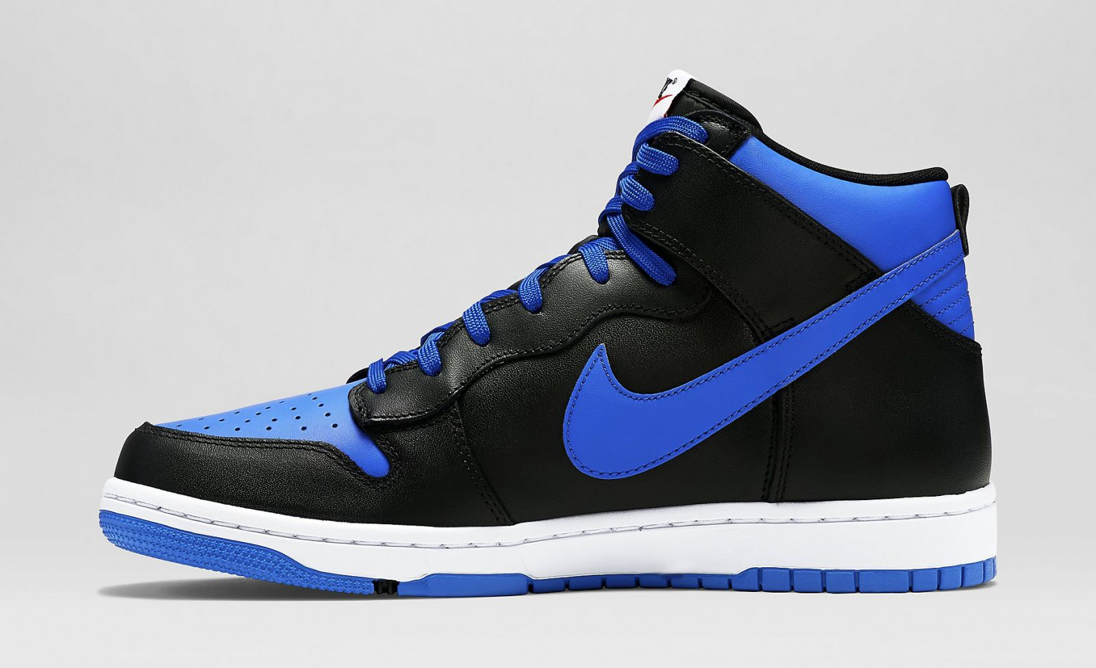 size 40 d2df6 cacc1 Nikes CMFT Dunk High build with an enticing, Jordan-inspired colorway.