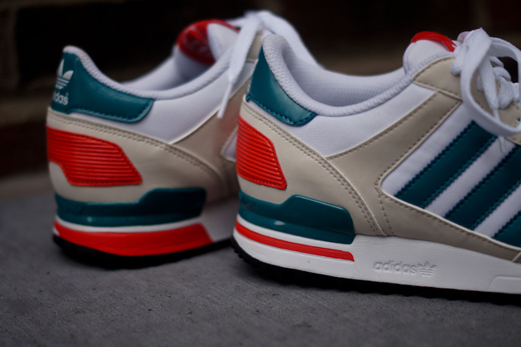 adidas ZX 700 - White / Teal