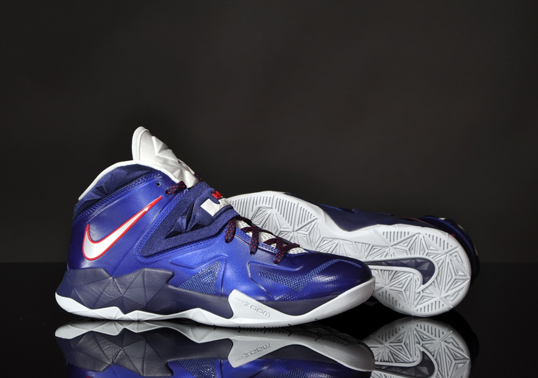 5a36f5a0bfb Nike Zoom Soldier VII - Deep Royal blue   Pure Platinum
