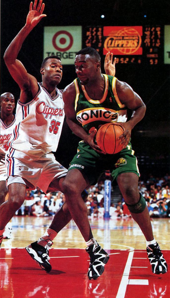 3c64f7fe3e1 Flashback    Shawn Kemp in the Reebok Kamikaze I and II