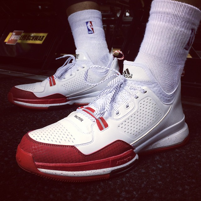d lillard 1 all white