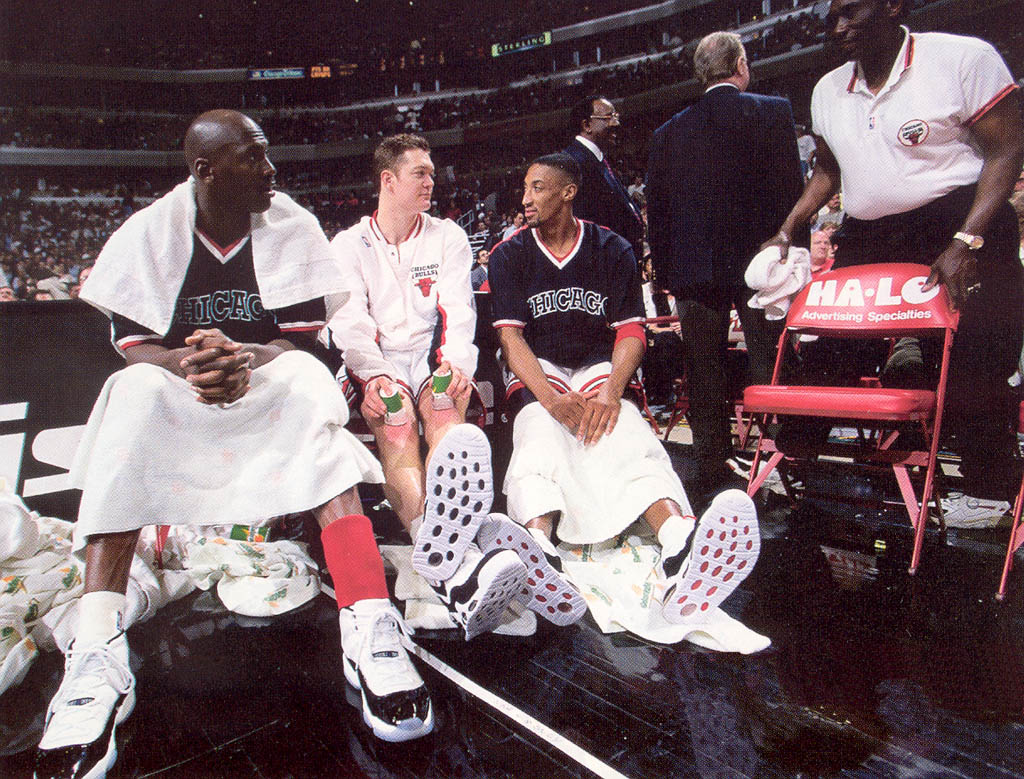 Michael Jordan wearing Air Jordan XI 11 Concord (24)