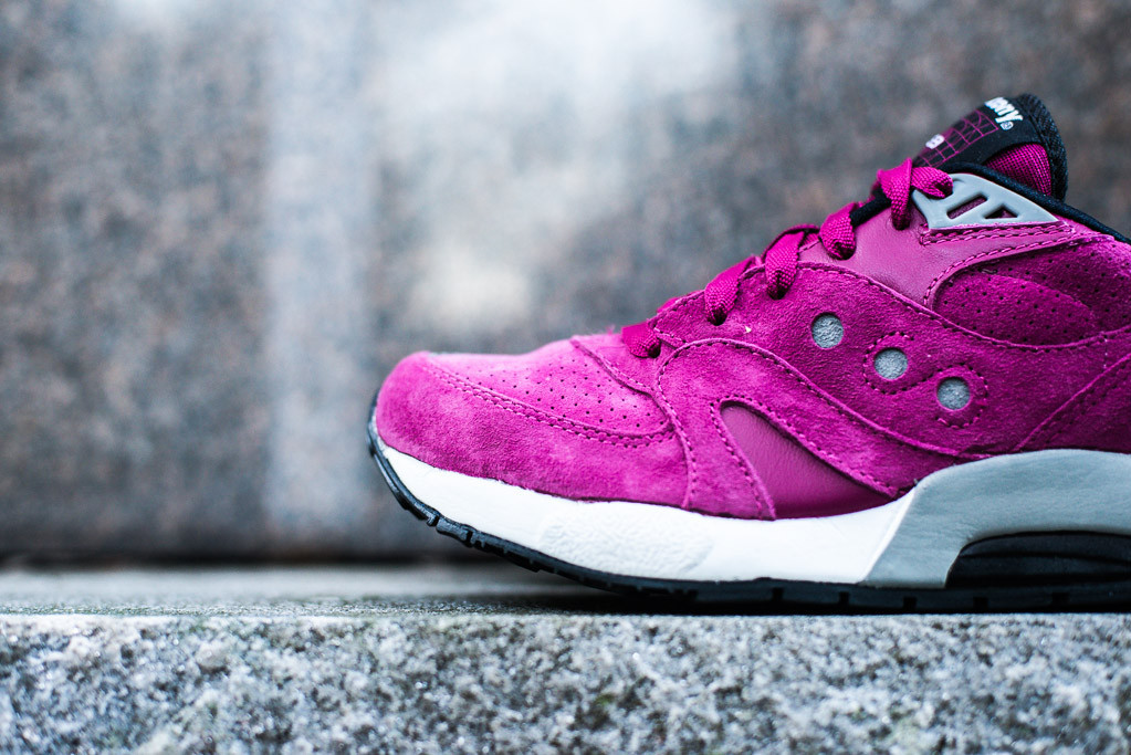 Wine Flavored Saucony G9 Controls