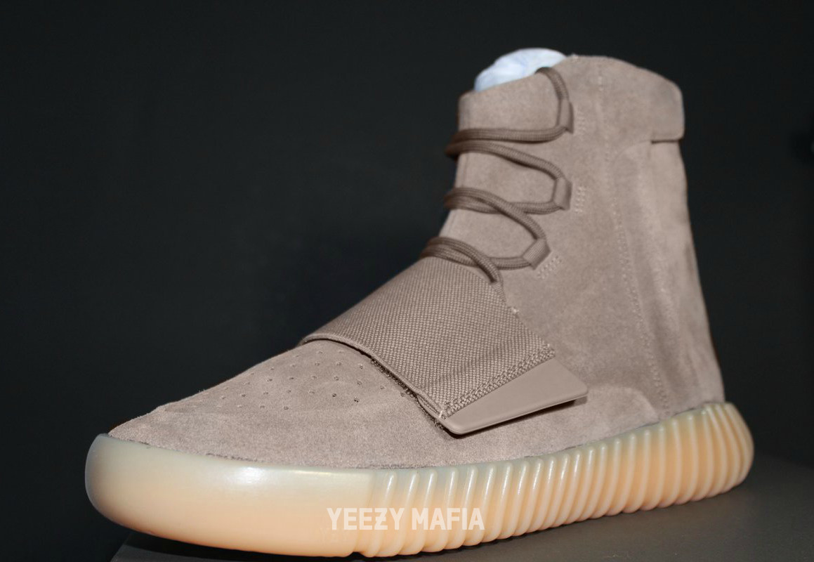 Yeezy 750 Boost Light Brown BY2456 Side