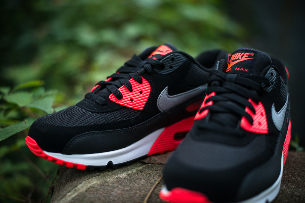 sports shoes c85a0 b76a2 Nike Air Max 90 Essential -  Black   Wolf Grey - Atomic Red - Black