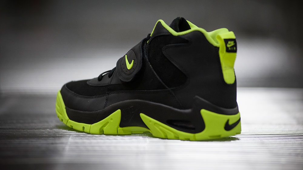 Nike Air Mission Black/Volt (7)