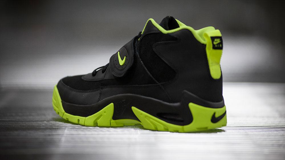 sports shoes 196cf 24d7b Nike Air Mission Black Volt (7)