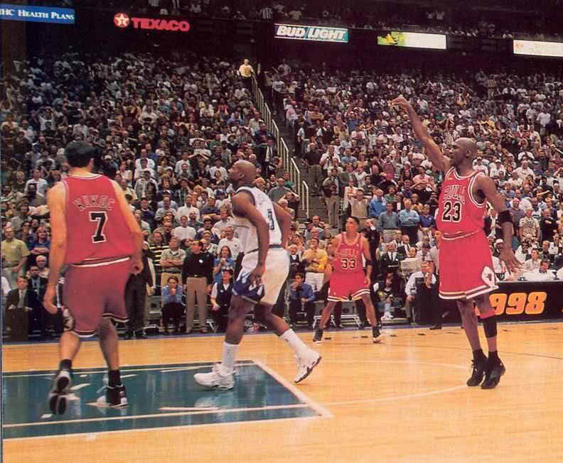 Michael Jordan wearing the Air Jordan 14 in Game 6 of the 1998 NBA Finals 4435b6642