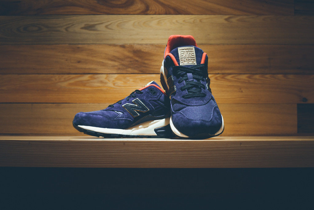 New Balance MRT580 Elite Navy Gold Red (1)