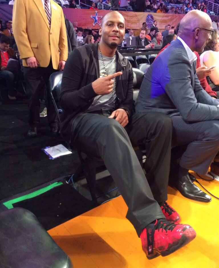 Penny Hardaway wearing Nike Air Foamposite One Doernbecher