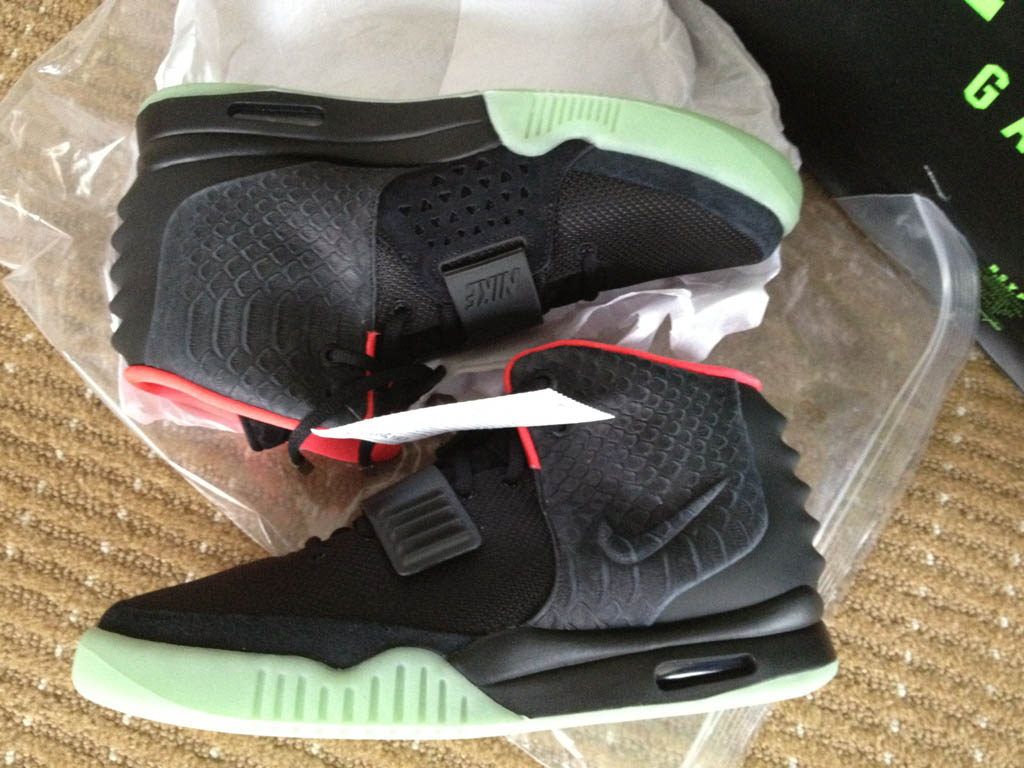 Nike Air Yeezy 2 - Black/Pink