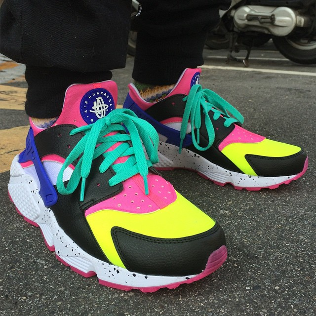 2d61c2d71492 50 of the Best NIKEiD Air Huarache Designs on Instagram