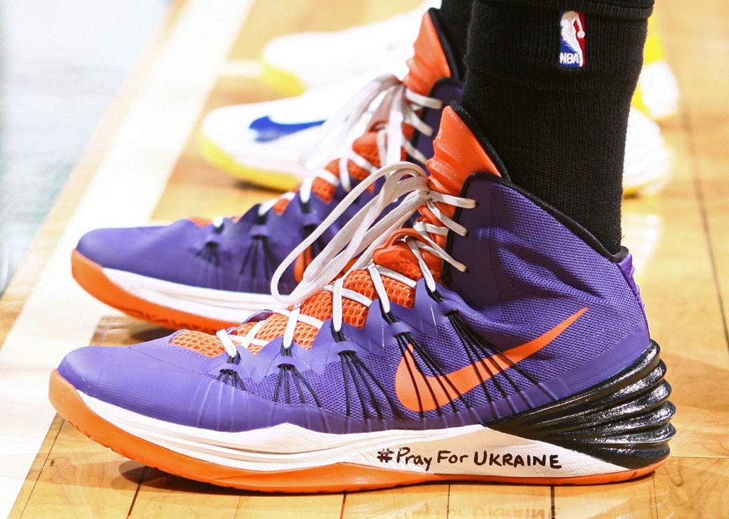 12efe3ca6288 Sole Watch  Best NBA PE Sneakers of February