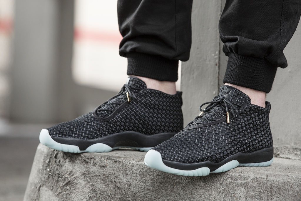 Jordan Future Official Black/White (3)