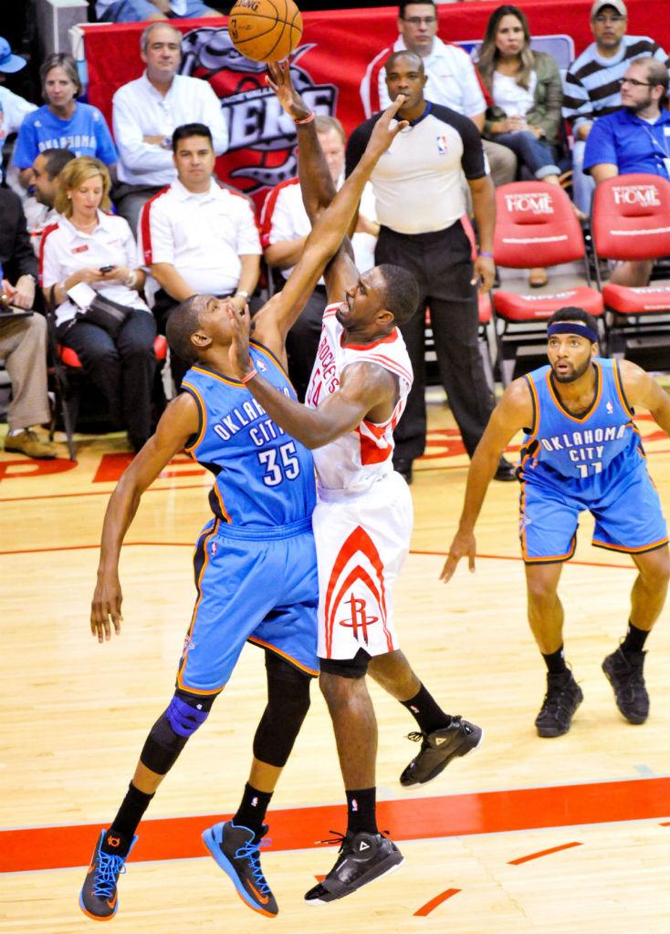 hot sale online c01df 29e14 Kevin Durant wearing Nike KD V Black Photo Blue Team Orange 554988-048 (2