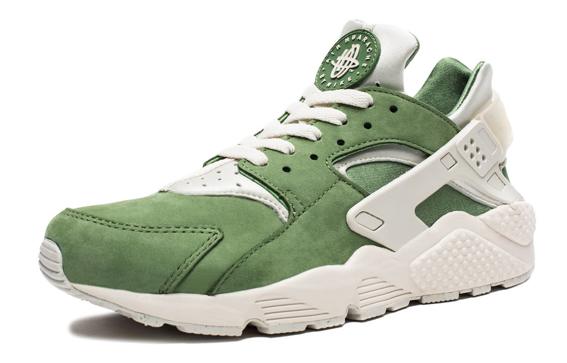 info for 605e7 b16fe Nike Air Huaraches From the Treetops