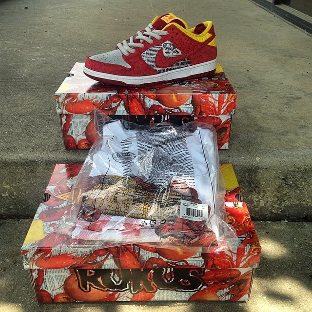 Shane Victorino Picks Up Rukus x Nike Dunk Low SB Crawfish