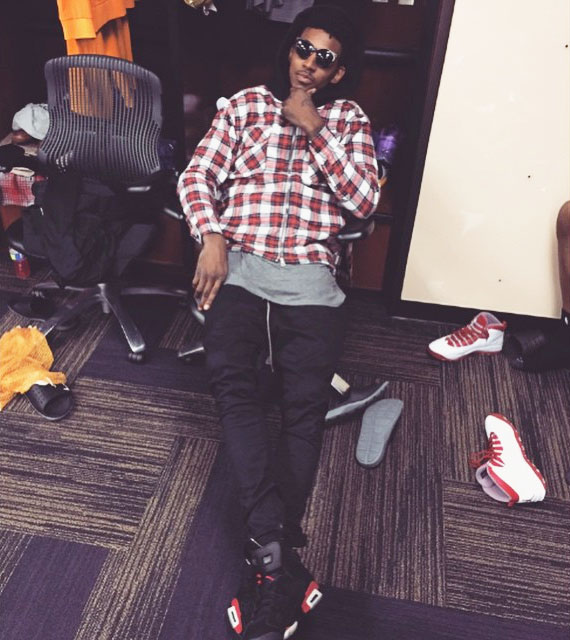 Nick Young wearing Air Jordan VI 6 Infrared