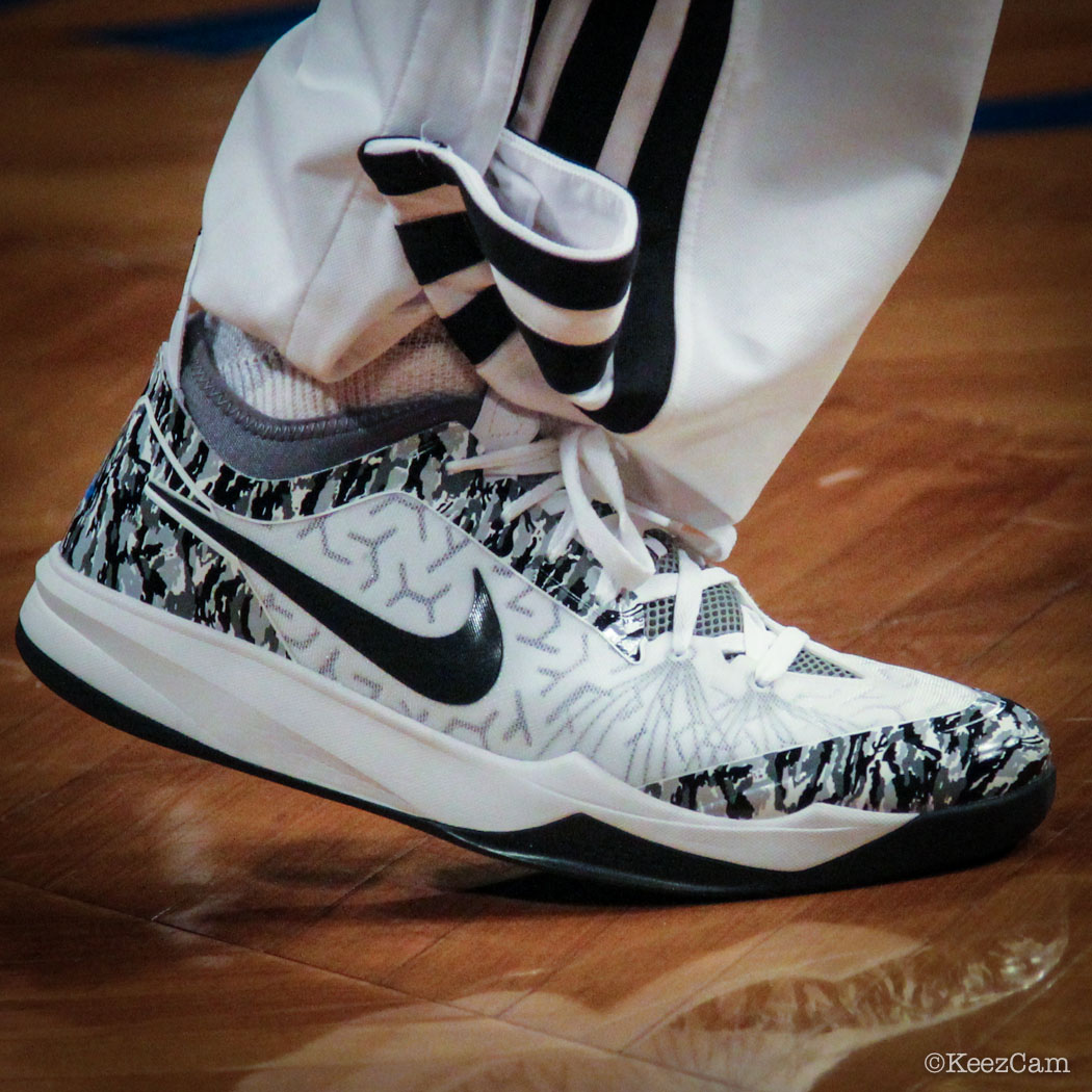 Deron Williams Wears 'Camo' Nike Zoom Crusader PE