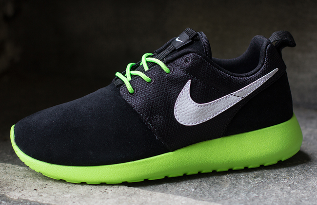 Nike Roshe Run GS - Two Colorways | Sole Collector Nike Roshe Run 2017 Colorways