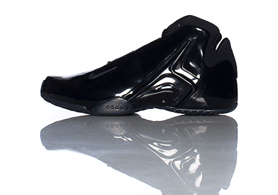 finest selection 7810c a74b1 The Black Black Nike Zoom Hyperflight is now available online via JimmyJazz.