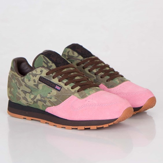 Shoe Gallery x Reebok Classic Leather Flamingos at War