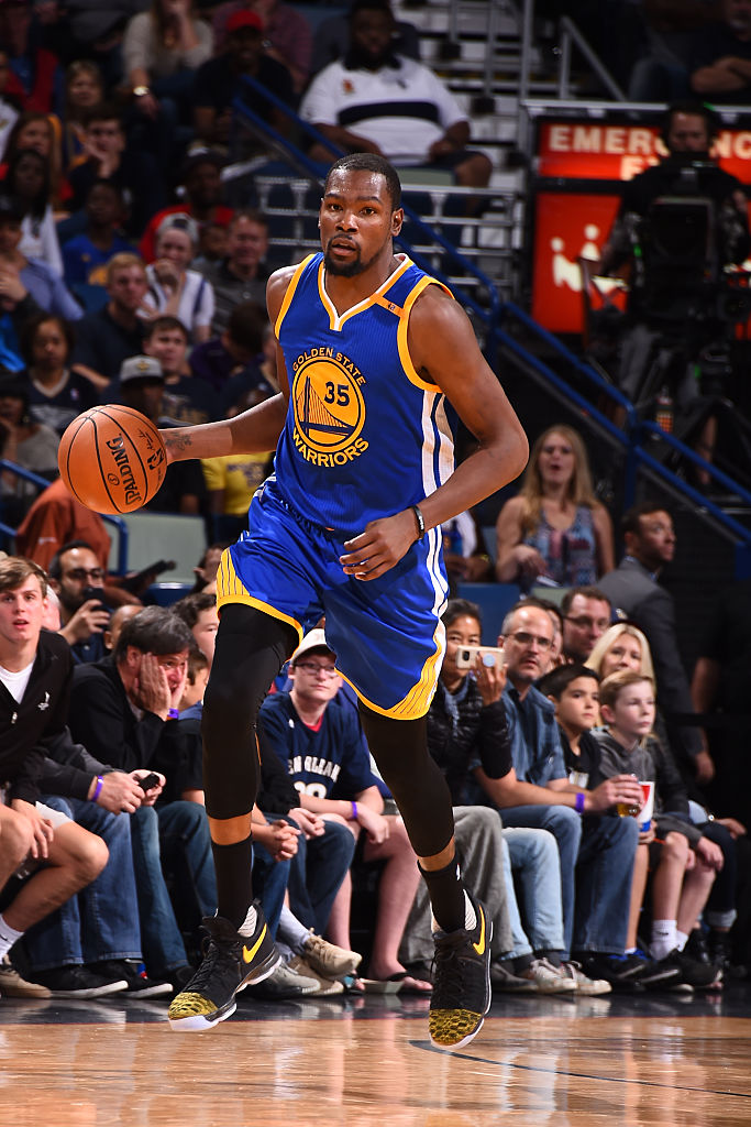 official photos b39d9 7bb01 Kevin Durant Wearing a Black Yellow Toe Nike KD 9 PE Game