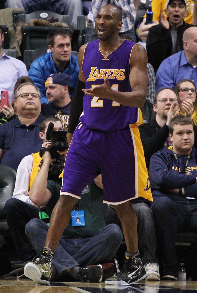watch b7761 9cd39 Kobe Bryant wearing Nike Kobe IX 9 Elite Precision (2)