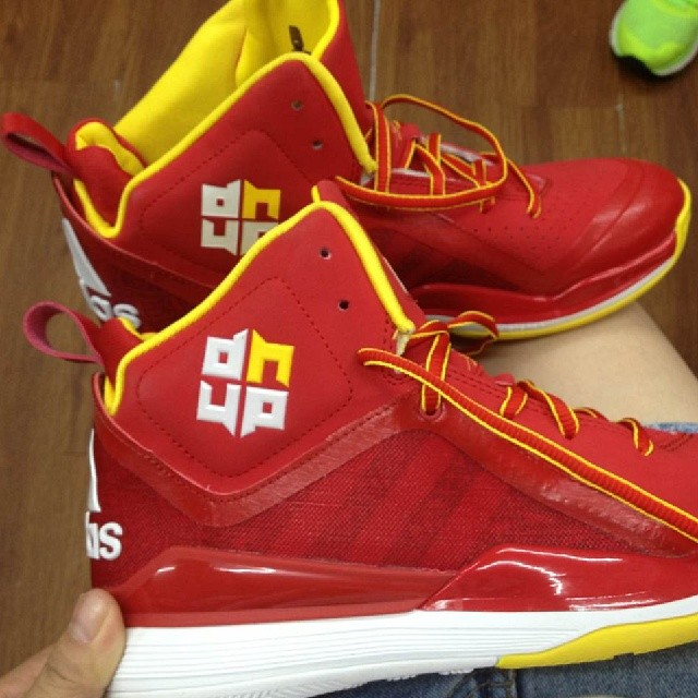 outlet store e3632 ed9eb adidas D Howard 5 Houston Rockets (1)