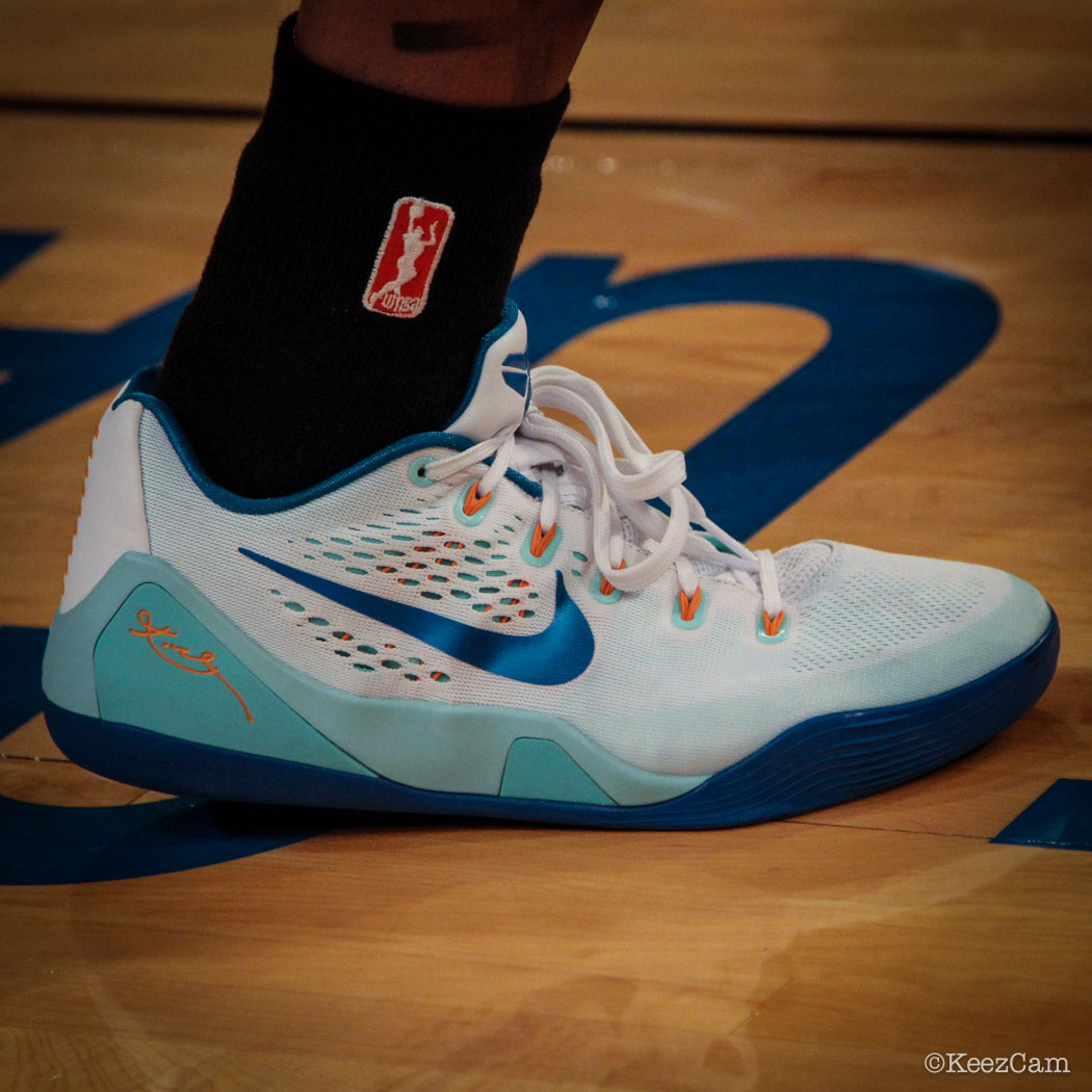 Cappie Pondexter wearing Nike Kobe IX 9 New York Liberty PE