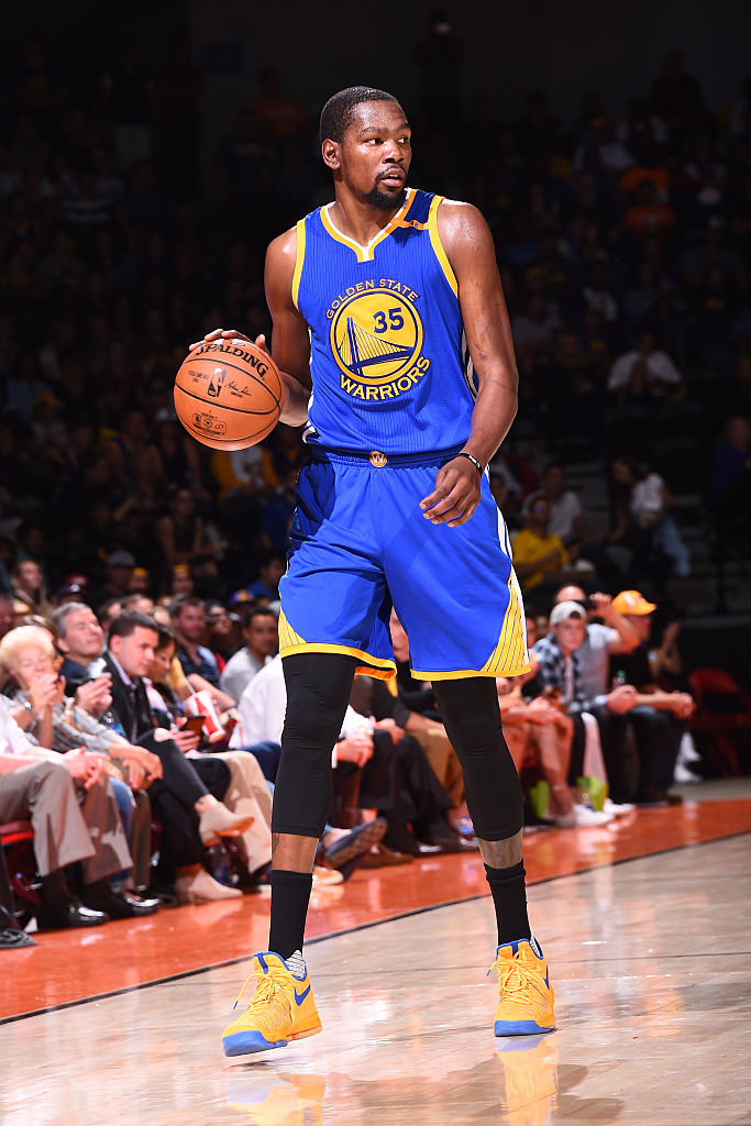 best service 017be 65615 Kevin Durant wearing Yellow Blue Nike KD 9 PE Game