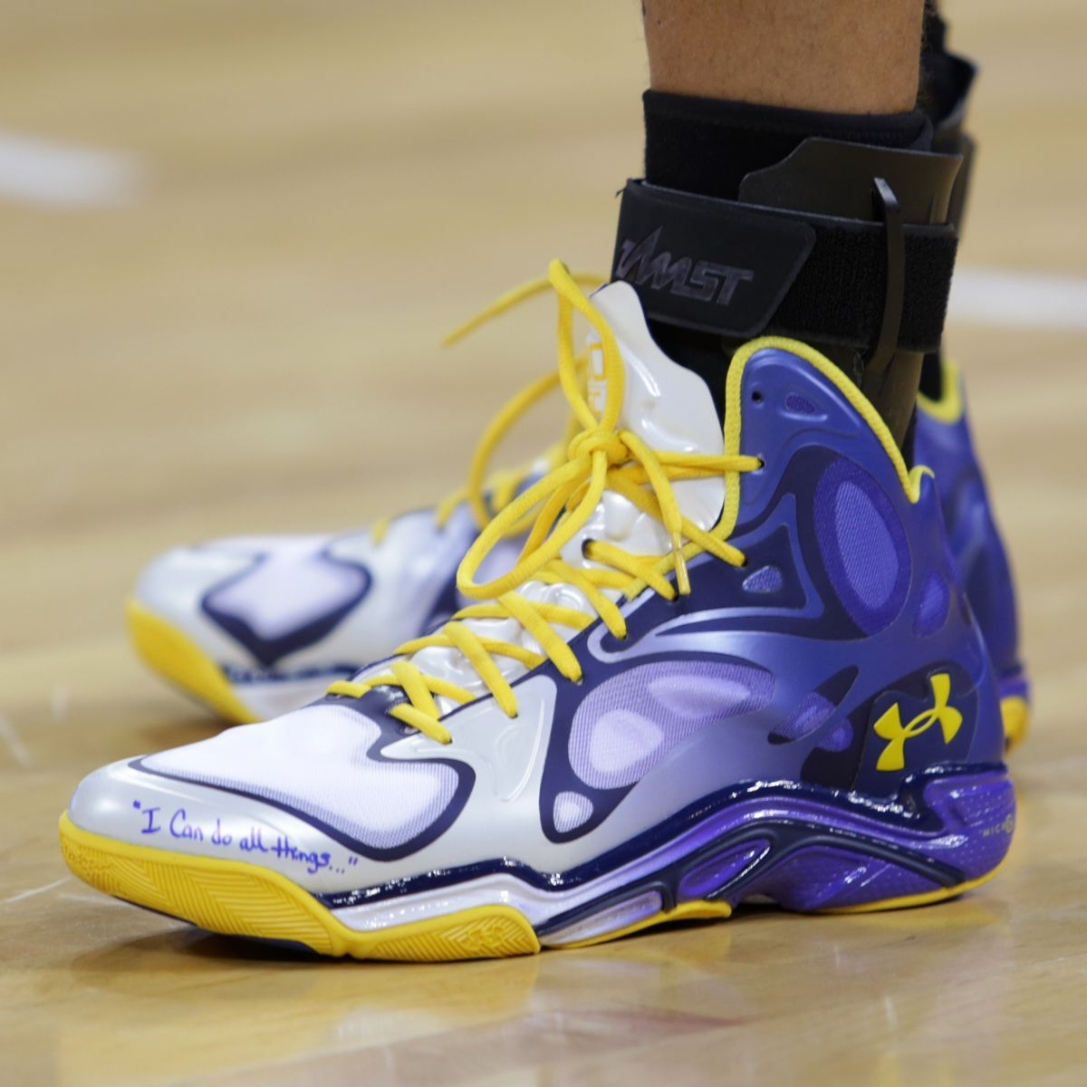 stephen curry debuts new under armour anatomix spawn