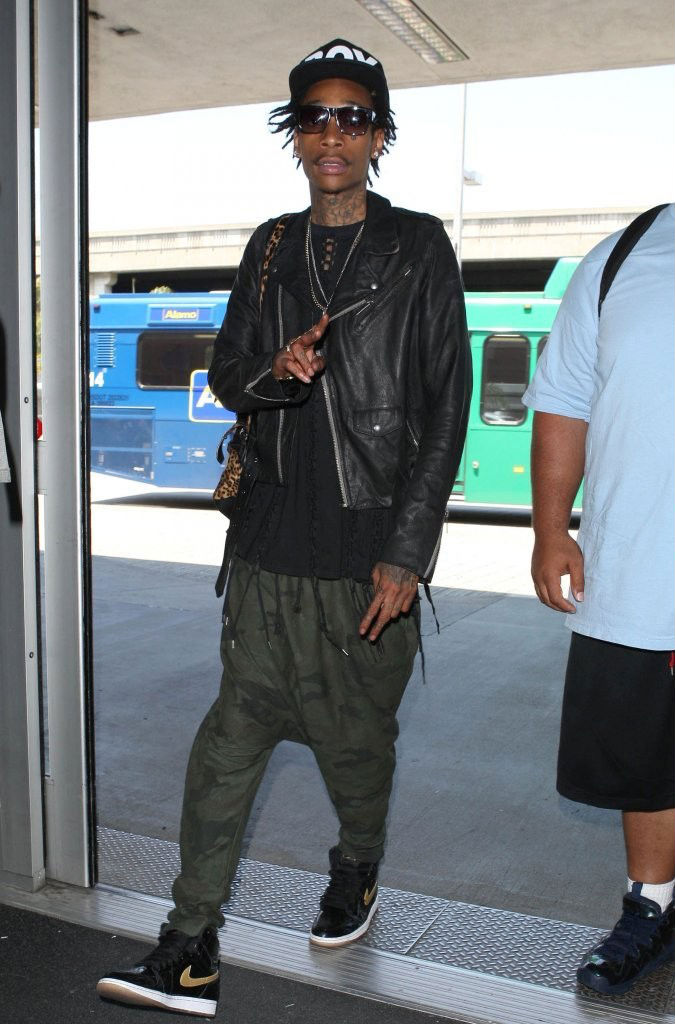 Wiz Khalifa wearing Air Jordan Retro I 1 Black Gold (4)