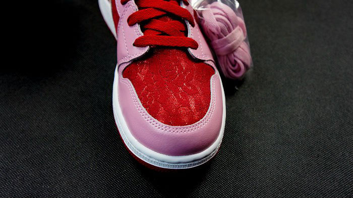 Air Jordan Retro I 1 Mid Premium GS Valentine's Day 2013 (3)