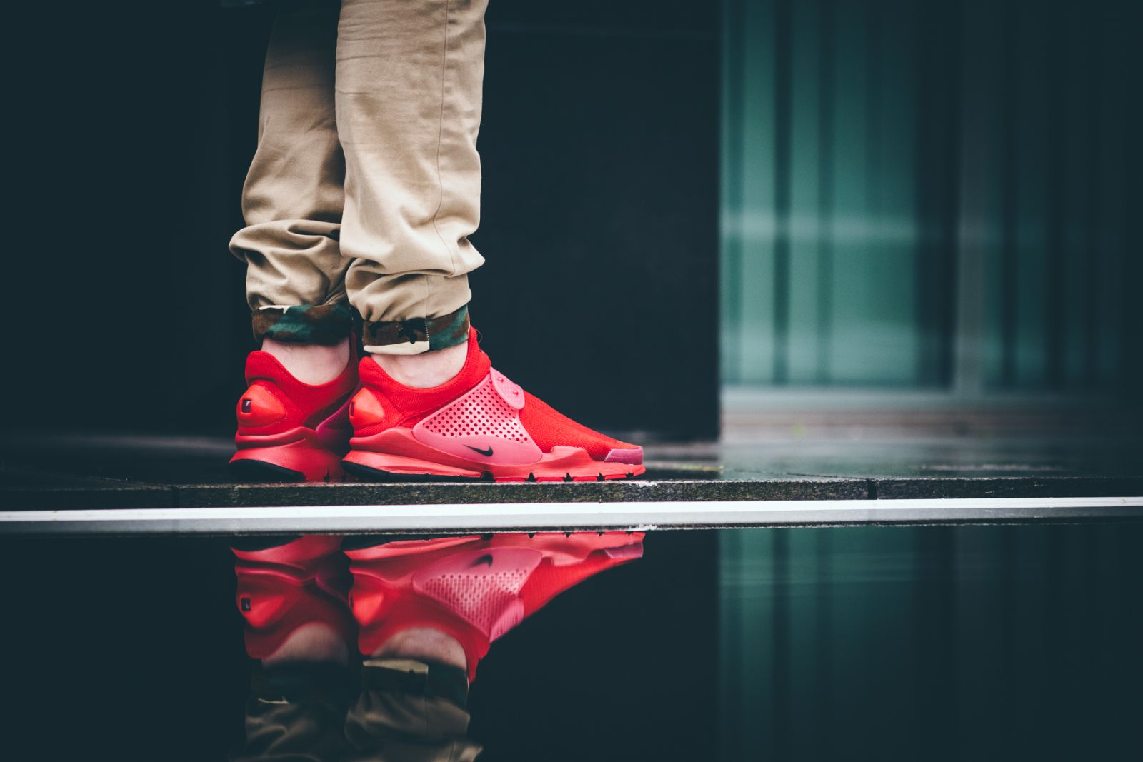 solde nike air max 1 - See How Nike's Sock Dart 'Independence Day' Pack Looks On-feet ...