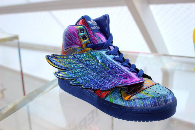 adidas Originals JS Wings Hologram (1)