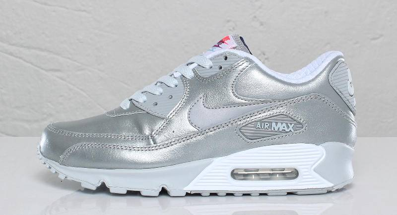 nike wmns air max 90 metallic silver sole collector. Black Bedroom Furniture Sets. Home Design Ideas