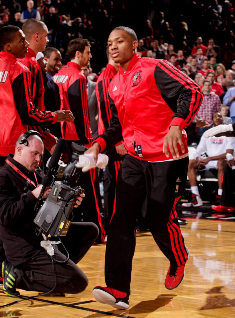 Damian Lillard Hits Game Winner in adidas Rose 773 (1)