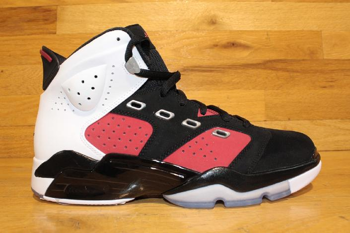 830b2b7f984 The 10 Worst Retro-Inspired Sneakers