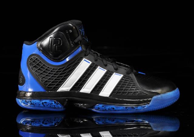 lowest price 4d8ea 73331 adidas adiPower Howard Orlando Away Black White Blue G20282 Side