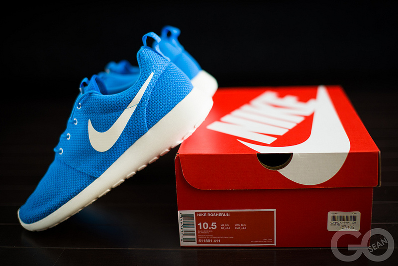 brand new 2205f 4e004 Nike Roshe Run - Blue Hero  Sail