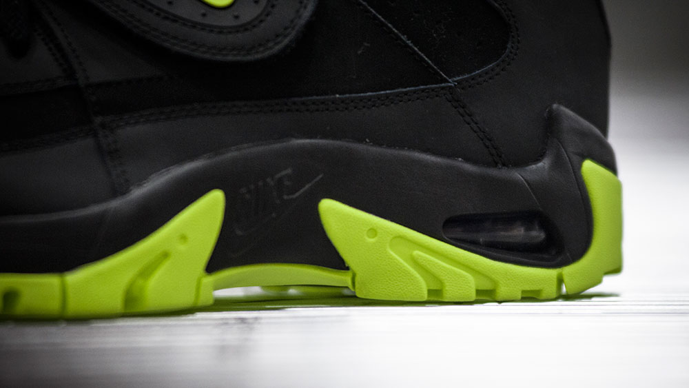 Nike Air Mission Black/Volt (5)
