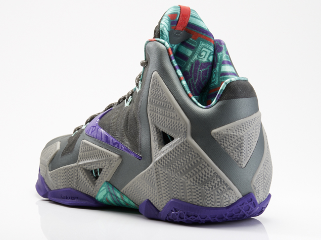 Nike LeBron XI Terracotta Warrior heel