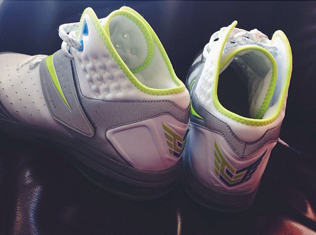 Derrick Williams Picks Up Nike CJ81 Max Sample