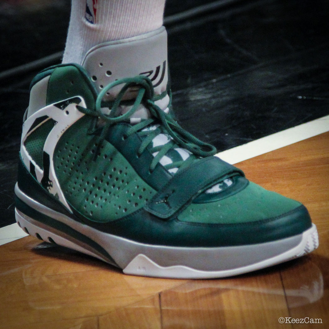 Joe Johnson wearing Jordan Phase 23 Hoops Green