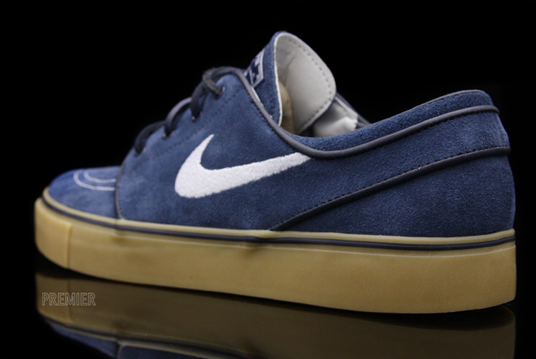 ... Zoom Stefan Janoski to arrive at your local Nike SB retailers sometime  this month. Color  Obsidian Gum. via Premier a08735352