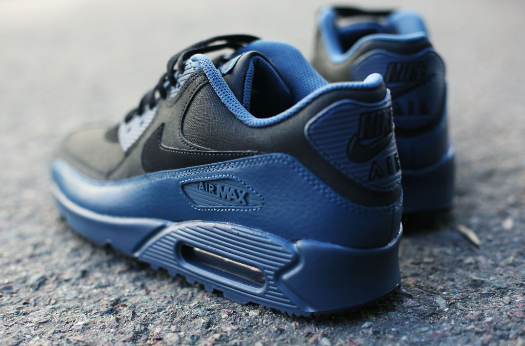 95b84fe46b82 Nike Upgrades the Air Max 90 s Traction for Winter