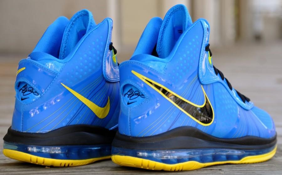 02ada7dc8be Nike Air Max LeBron 8 V 2 Entourage Photo Blue Black Tour Yellow 429676-